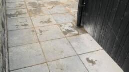 Terasse lagt igen efter nye kloakrør
